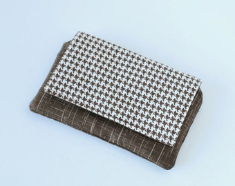 Chocolate Brown Houndstooth Everyday Wallet