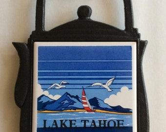 Vintage Cast Iron Trivet Teapot Lake Tahoe Square Blue White Ceramic Tile (A)