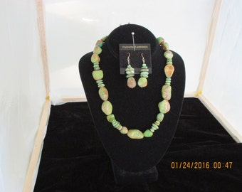 Green turquoise necklace & earrings - Emerald Isle
