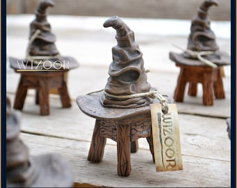 Sorting Hat with stool! - 14cm high - resin cast  (cappello parlante in resina) Harry Potter inspired by