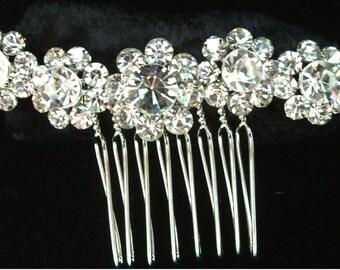 Simple Elegant Rhinestone Flower Hair Comb in Silver