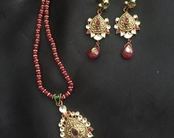 Gold pendant set, Indian jewelry, Indian wedding, Gold pendant , Bollywood