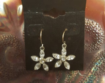 White Crystal Rhinestone Fishhook Flower Fashion Earrings