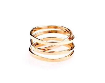 Demi - Gold Ring