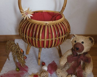 Vintage  french sewing basquet from 50's /60's
