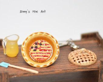 30% OFF 1:12 Dollhouse Miniature All-American Cherry Berry Pie / Miniature pie/ Dollhouse miniature dessert K1506