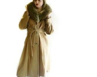 Vintage Long Camel Petty Coat Fox Fur Collar