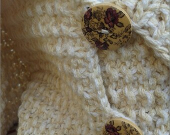 White neck warmer with buttons