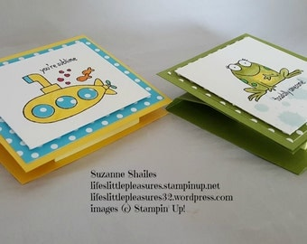 Easel style sticky note holder