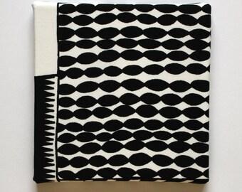 Marimekko 'Ajatus on tärkein' Fabric Canvas Art