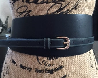 Ladies black leather belt, size Small