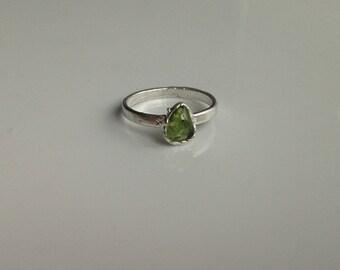 Chrysolite ring