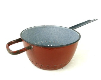 French Vintage Enamel Colander / Vintage 1950's French Kitchenware