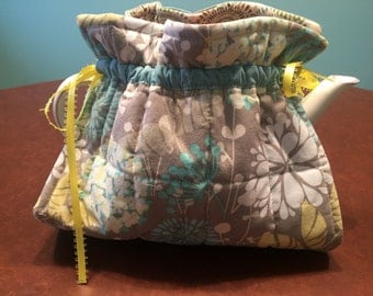 "TEAPOT COZY - Insulated with Ribbon Cinch Closure - approx 9"" x 7"""