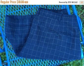 SUMMER CLEARANCE SALE Vintage preppy Ralph Lauren navy high-waist linen shorts, size 14