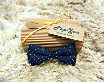 Blue Silk Bow Tie With White Polka Dots