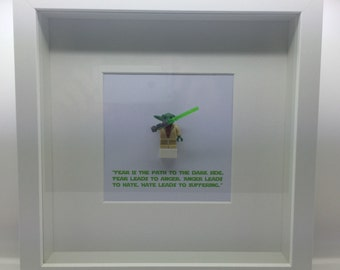 Star Wars Yoda Minifigure Display Frame (Lego like)
