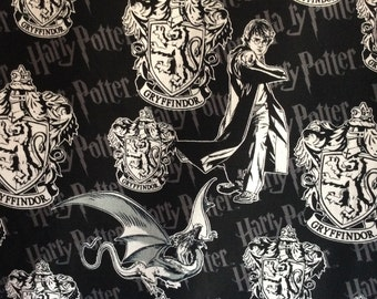 Harry Potter Fabric / By the Yard / Harry Potter & Gryffindor Fabric / Gryffindor Crest Fabric