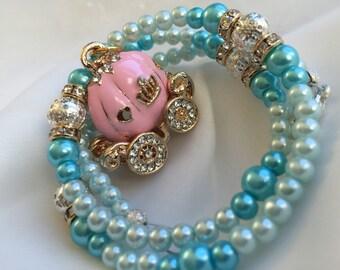 Cinderella necklace. Cinderella carriage. Cinderella costume jewelry. Cinderella charm necklace. Pumpkin carriage charm. Cinderella jewelry