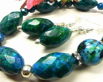 Blue Green Chrysocolla set with faceted beads