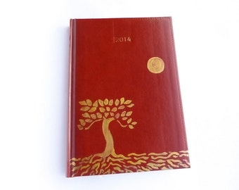 Personalized 2018 camel brown daily planner /organizer /agenda, 6 languages, ( Vegan ) Artificial leather, A5 size ,Hand painted: Tree