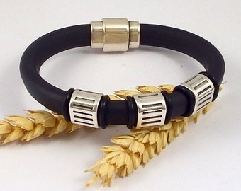 Bracelet reglisse black PVC with beads silver plated
