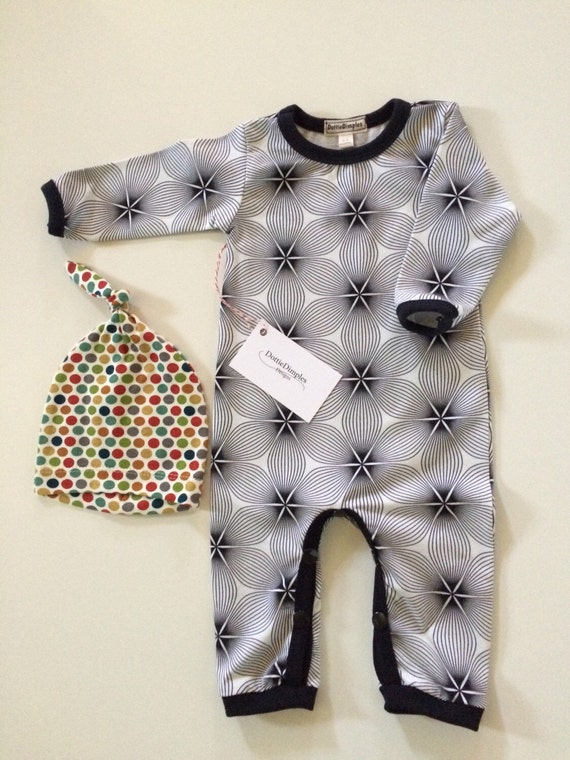 Gender neutral Baby Romper set Organic Knit Pullover Snap Opening at Leg Soft and Stretchy Fits 3 mos Professionally finished seams