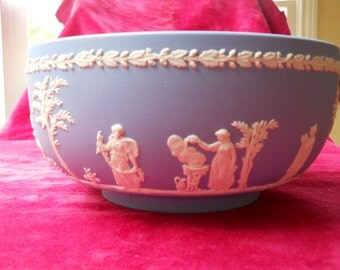 Wedgewood Blue Jasperware Neoclassical 1960s Large Round Sacrifice Bowl