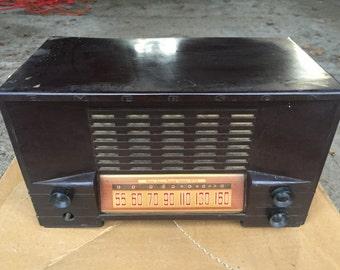 Vintage Emerson Tube Radio