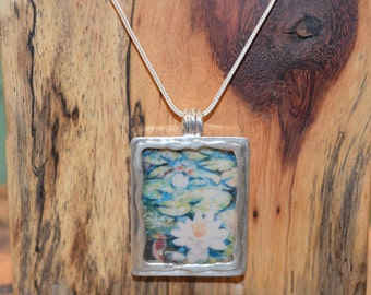 Silver necklace and pendant rectangular resin flower patterns