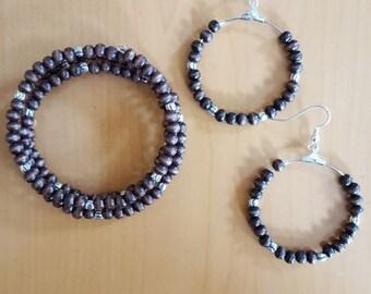 Dark brown wood bead memory wire bracelet and earring set