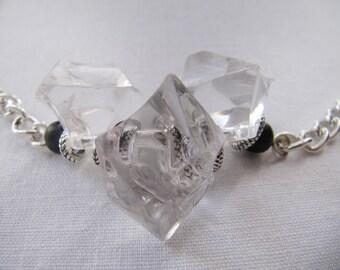 Collar women, ras, chain, cut glass, silver and transparent colours.