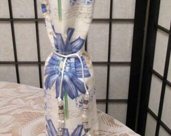 Wine bottle gift bag with beaded ties