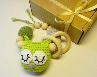 Baby rattle,  teething toy, teether, gift for baby, baby gift, crochet owl,  green