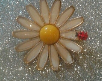 Vintage Brooch Daisy with Ladybug marked Weiss 1960's