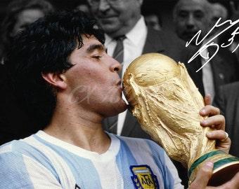 Diego Maradona signed photo print - 12x8 inch - high quality -