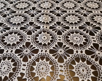 Crochet Table Runners and Crochet Table Cloth