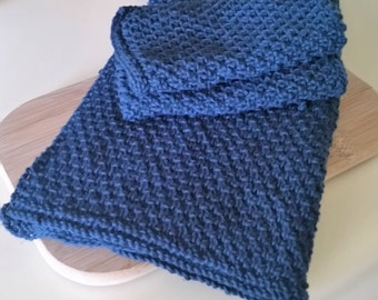 Knitted dishcloth and towel set