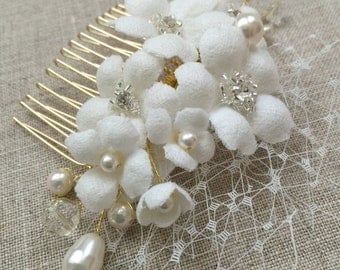 White Flower Bridal Hair Comb with Net, Swarovski Crystals, Wedding hair flower, Flower hair comb, Floral hair piece