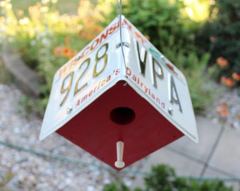 "Wisconsin ""America's Dairyland"" License Plate Birdhouse"