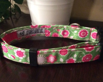 Green and pink flower dog collar