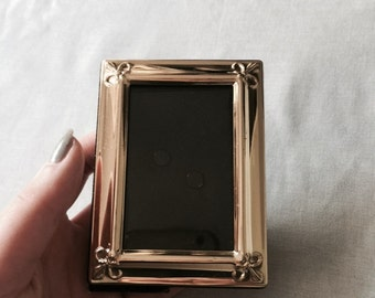 Small Gold Metal Picture Frame // Gold Picture Frame // Gold Frame // Vintage Picture Frame // Vintage Frame // Small Picture Frame (B4)