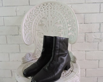 90s Black Leather Boots
