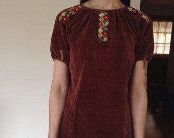1940s/1950s Embroidered Brown Velveteen Peasant Blouse - xs