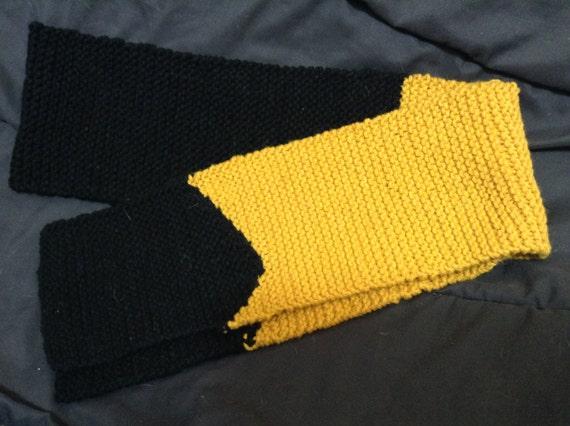 Hand-Knit Star Trek TNG Scarf (Adult) - Gold