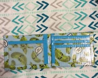 bi-fold duct tape wallet