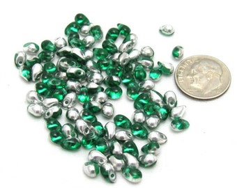 1 Strand Czech Glass Tear Drops 6/4mm - Silver/Emerald (B13b4)