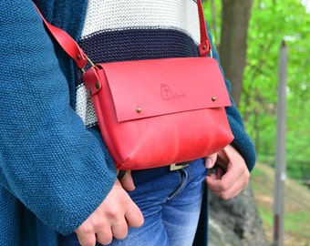 Leather Crossbody purse, Handmade purse, Handicraft iPhone Bag, Leather Messenger bag, Leather Shoulder bag, Leather handbag, Red bag