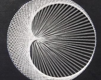 Crescent Moon/Cardioid String Art