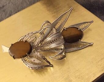 Vintage Brooch with Agate